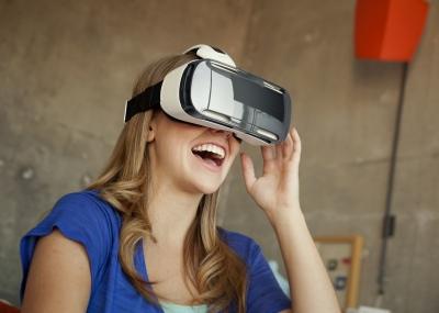 virtual reality woman feature